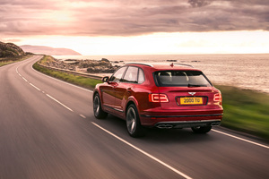 Bentley Bentayga V8 Rear View 2018