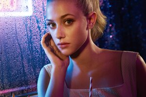 Betty Cooper In Riverdale Wallpaper