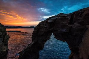 Big Rock Clouds Ocean 8k Wallpaper