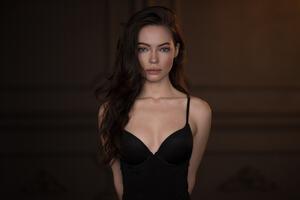 Black Dress Beauty Wallpaper