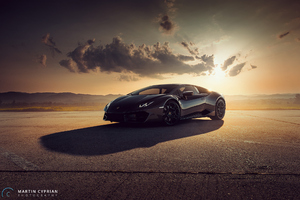 Black Lamborghini Huracan Photoshoot