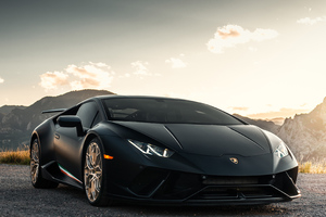 Black Lamborghni Huracan 2019 Wallpaper
