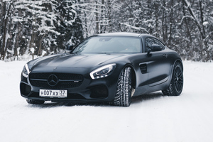Black Mercedes Amg Gt In Snow 4k
