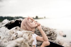 Blonde Girl 8k Wallpaper