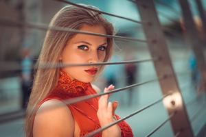 Blonde Girl Beautiful Eyes Wallpaper