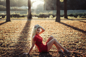 Blonde Girl Grass Sitting 4k