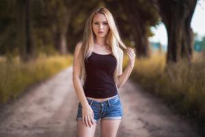 Blonde Girl In Depth Of Field Hd