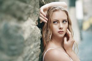 Blonde Girl Looking Side Wallpaper