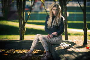 Blonde Women Portrait Curl Hairs 4k Wallpaper