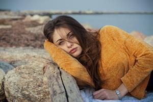 Blue Eyes Orange Sweater Girl 4k
