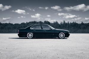 BMW 5 Series E34 5k