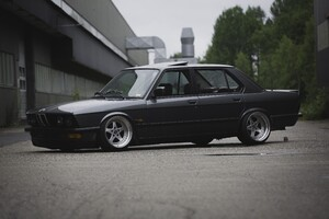 Bmw E28 Vintage Wallpaper