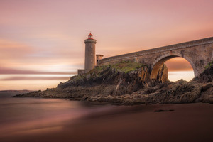 Bridge Building Lighthouse
