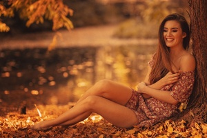 Brunette Girl Autumn Season Smiling Wallpaper