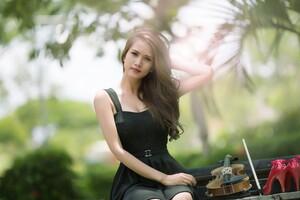 Brunette Girl Violin