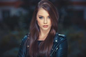 Brunette Gorgeous Face 4k