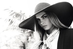 Cara Delevingne Reserved 2017 Monochrome Wallpaper