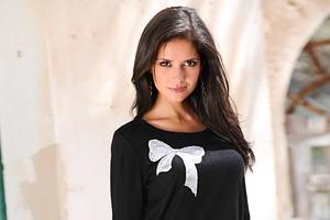 Carla Ossa Model Wallpaper