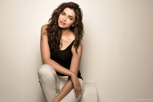 Celebrity Deepika Padukone Wallpaper