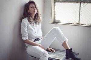 Celebrity Jessica Alba