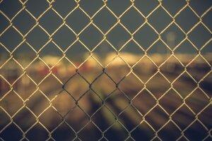 Chain Fence 5k Wallpaper