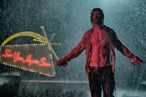 Chris Hemsworth In Bad Times At The El Royale Wallpaper
