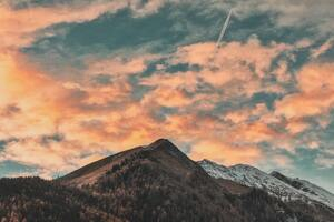 Clouds Trails Dawn 4k