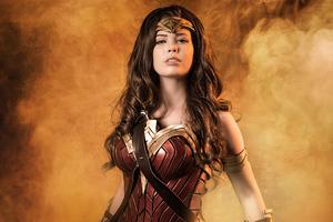 Cosplays Wonder Woman 4k Wallpaper