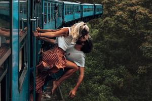 Couple Kissing Train 4k