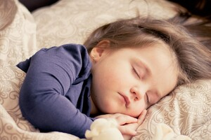 Cute Child Sleeping Wallpaper