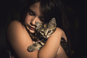 Cute Little Girl With Kitten Wallpaper