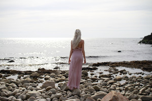 Daenerys Targaryen Cosplay Dress Wallpaper