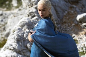 Daenerys Targaryen In Game Of Thrones Wallpaper