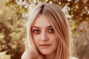 Dakota Fanning Town And Country Magazine 2017