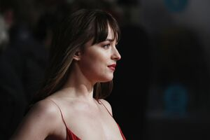 Dakota Johnson 5k 2017 Wallpaper