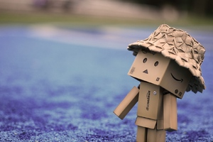 Danbo Cardboard Hat Walk Wallpaper