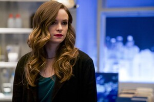 Danielle Panabaker As Caitlin In The Flash
