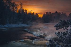 Dark Winter Lake Sunlight 4k