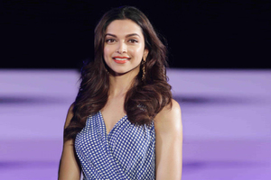 Deepika Padukone Cute Wallpaper