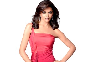 Deepika Padukone In Pink Dress Wallpaper