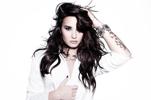 Demi Lovato 3 Wallpaper