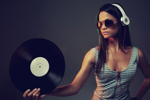 Dj Women Wallpaper