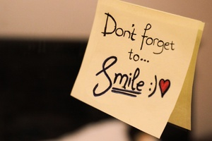 Dont Forget To Smile Msg Wallpaper