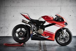 Ducati 1299 Superleggera Bike