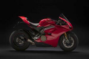 Ducati Panigale V4 8k Wallpaper