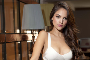 Eiza Gonzalez Hot Wallpaper