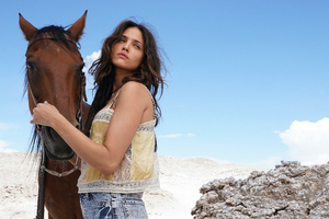 Eiza Gonzalez With Horse