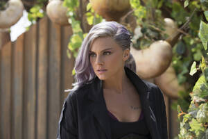Eliza Coupe In Future Man Season 2 Wallpaper
