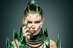 Elizabeth Banks In Power Rangers 2017