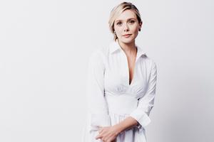 Elizabeth Olsen In White Dress Wallpaper